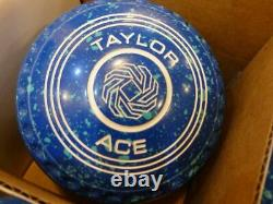 Thomas Taylor Ace Size 4 Bowls Royal/Mint WB27 Stamp Indoor or Outdoor S/hand